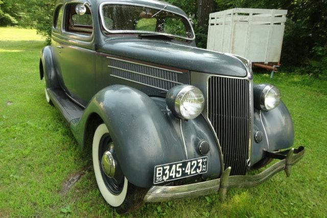 1936 Ford Touring Sedan
