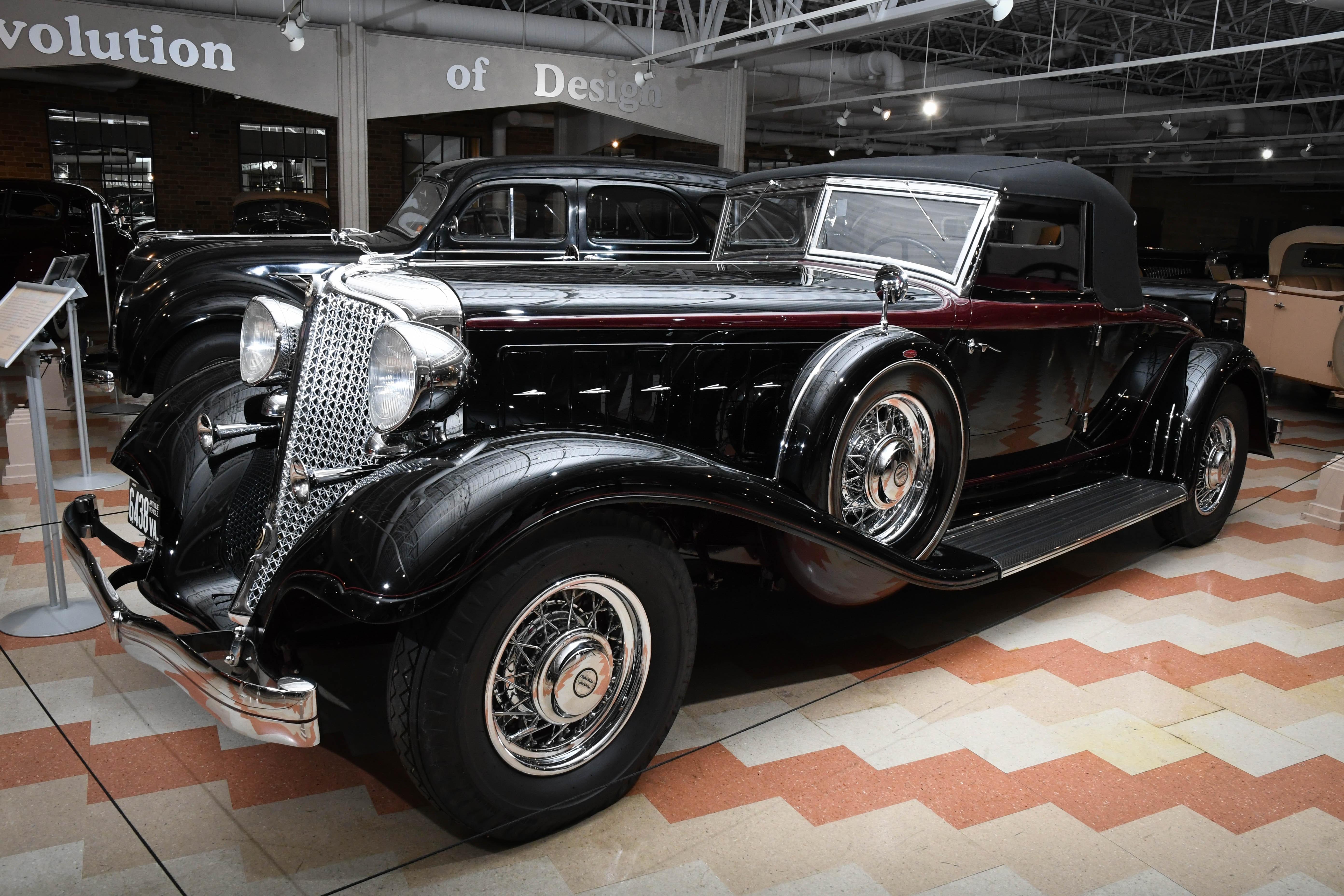 1933 Chrysler Custom Imperial