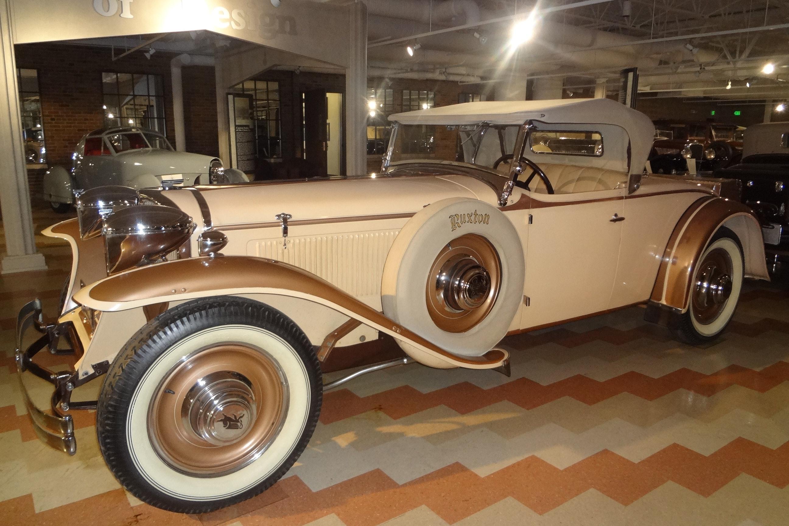 1930 Ruxton Eight