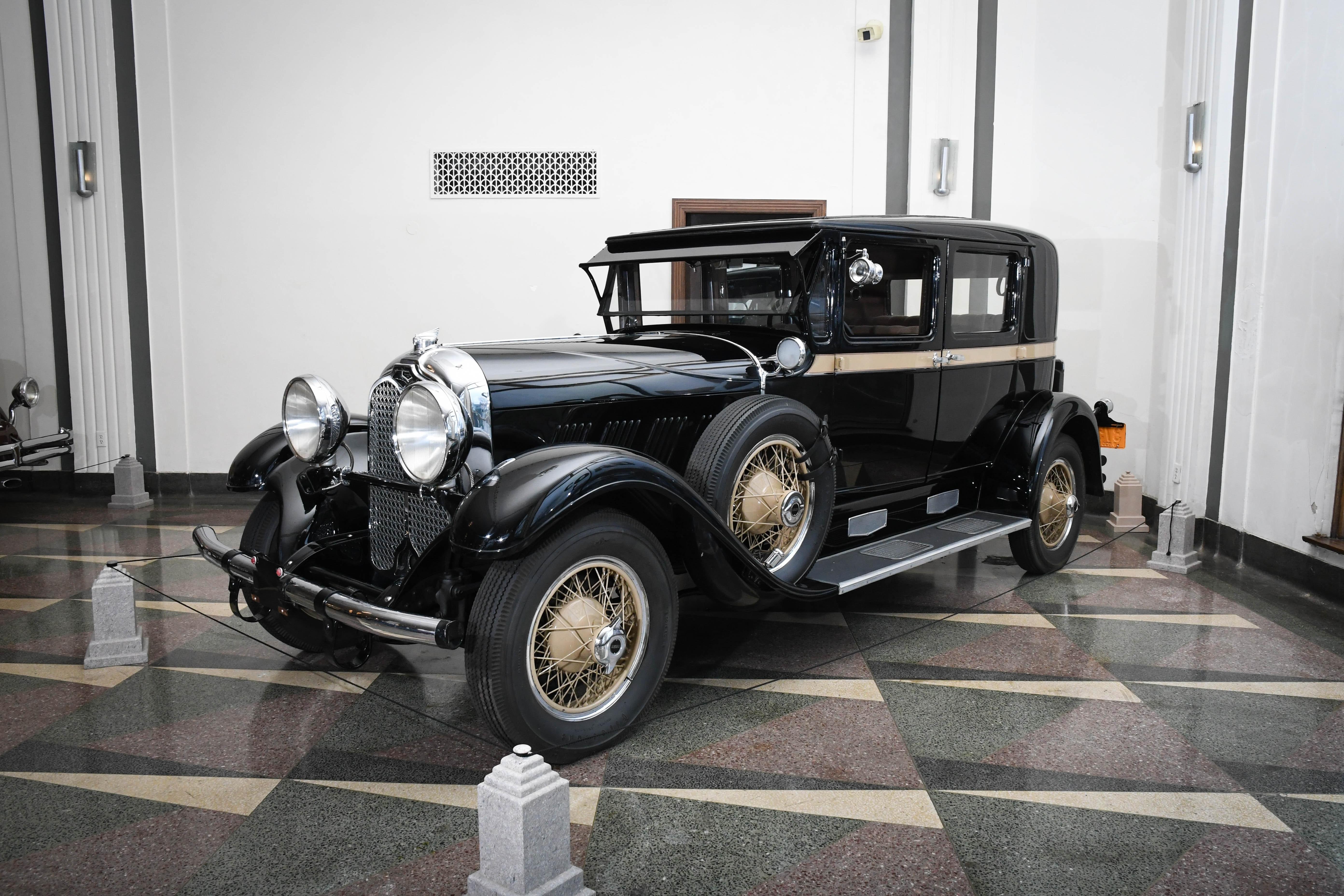 1930 Auburn 8-125