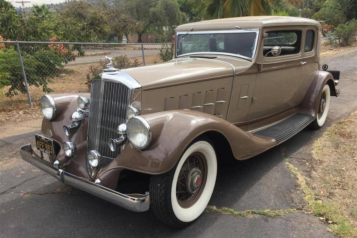 1933 Pierce-Arrow 1236 Club Brougham