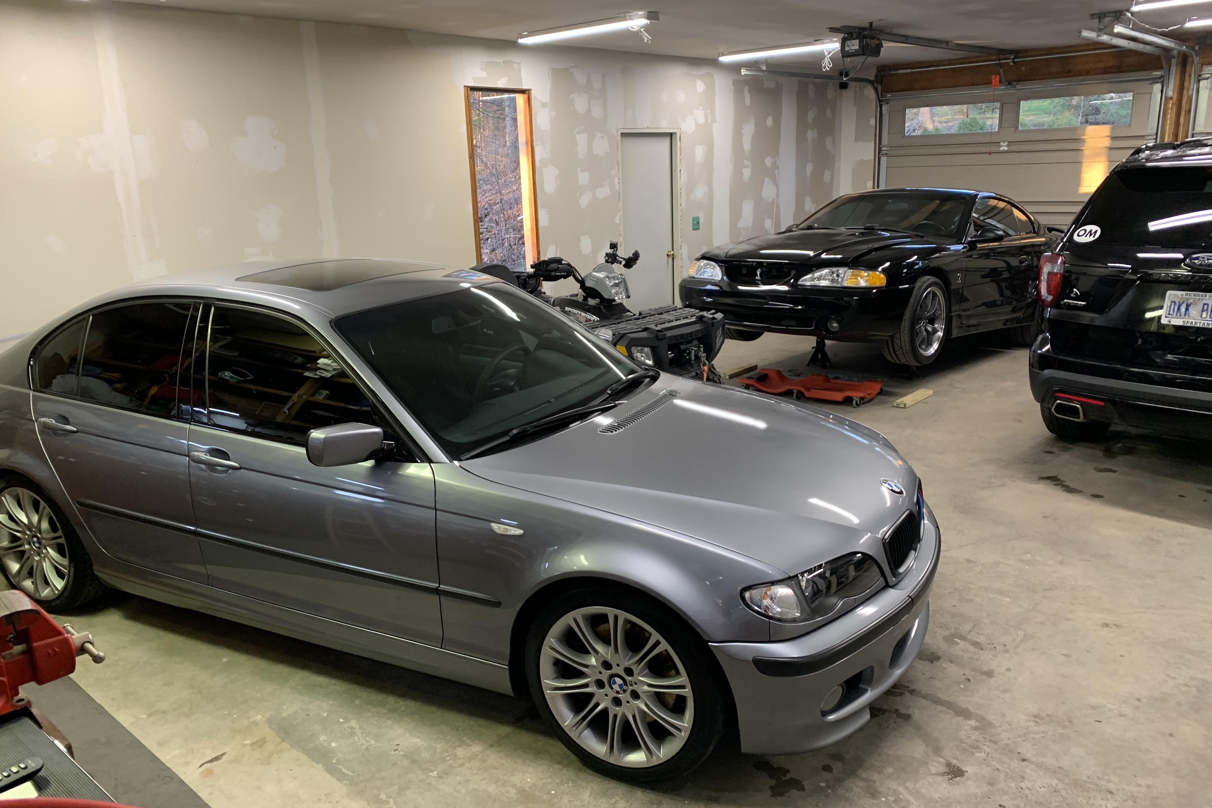 2004 BMW 330i ZHP