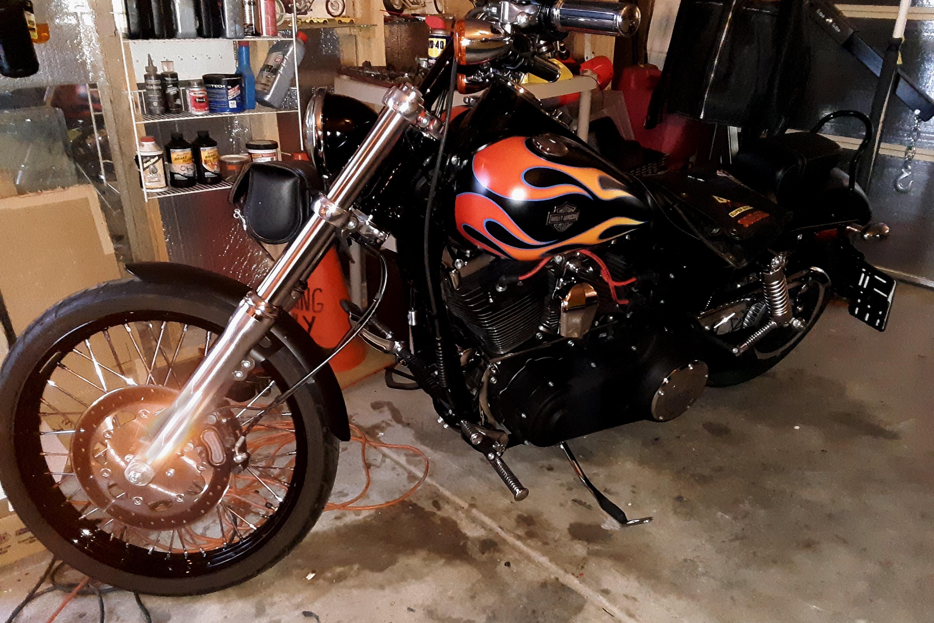 2015 Harley-Davidson FXDWG